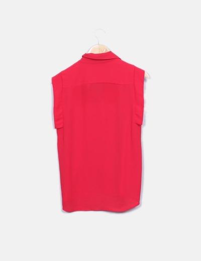 Camisa fluida roja sin mangas
