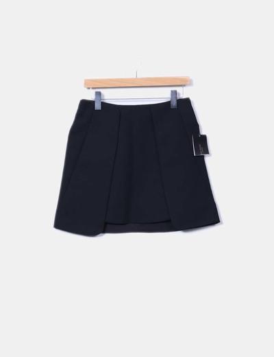 Falda negra detalle solapas Zara