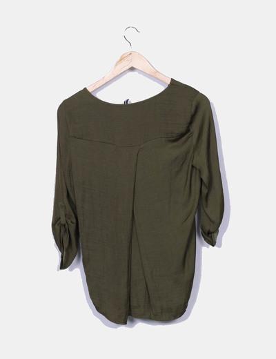 Blusa verde satinada