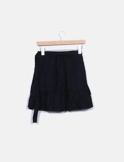 Minifalda negra cruzada