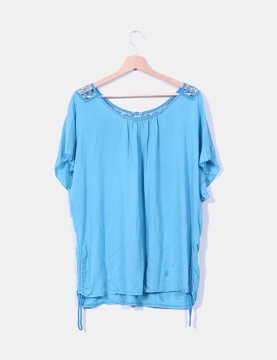 Blusa turquesa detalle en crochet