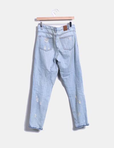Pantalon denim boyfriend con rotos