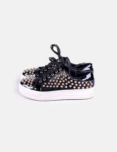 Chaussures noires acharoladas avec clous Super Made