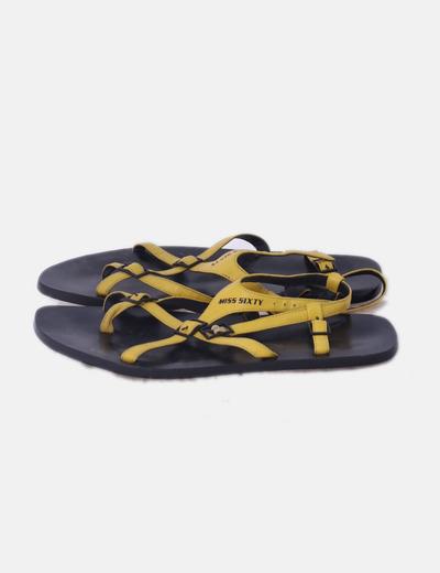 Sandalias tiras amarillas
