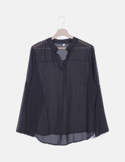 Blusa asimétrica negra semitransparente