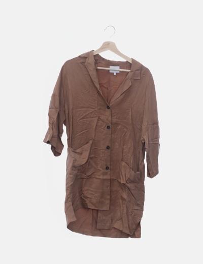 Vestido camisero fluido marrón