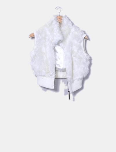 Chaleco corto blanco con pelo Modo