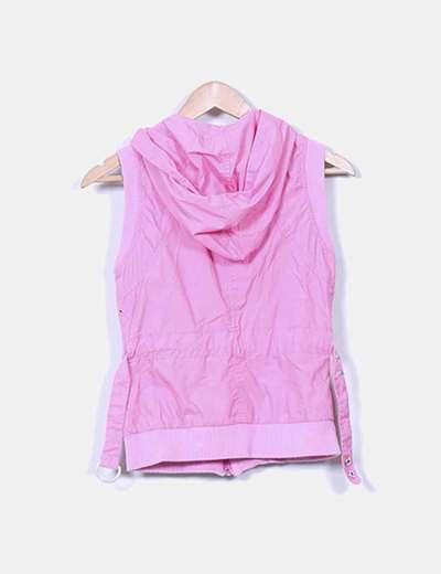 Chaleco rosa chicle con capucha