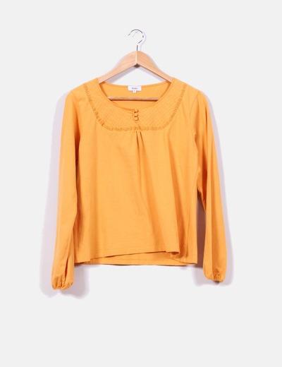 29dac2fe92 Festa Camiseta manga larga color mostaza (descuento 70%) - Micolet