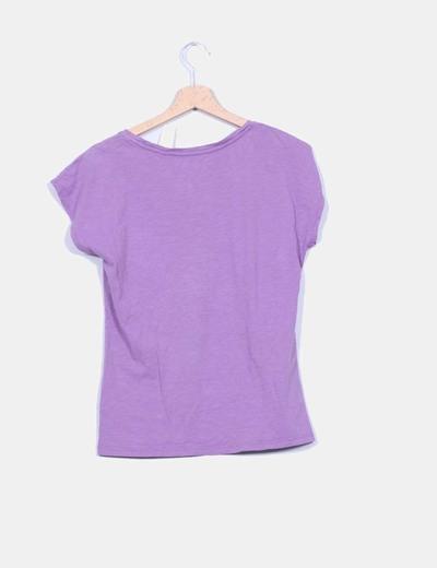Camiseta basica morada escote pico
