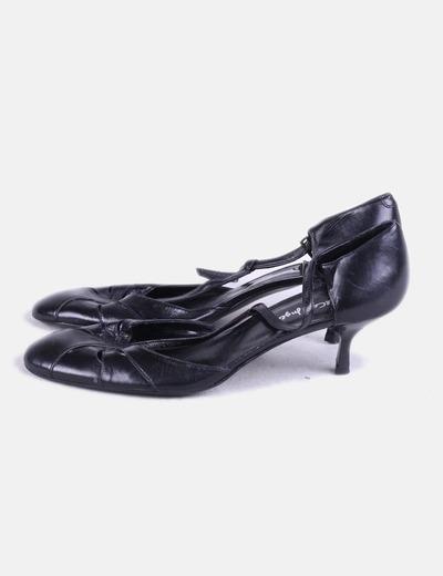 Sandalia negra con puntera redonda El Corte Inglés
