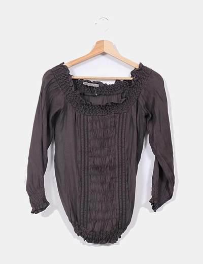 Blusa fruncida gris oscuro Zara