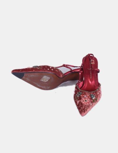 Zapato teja y rojo con abalorios de puntera