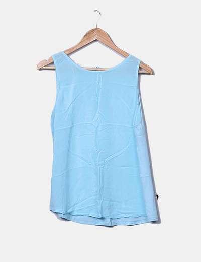 Blusa azul sin mangas