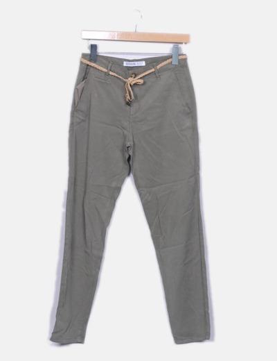 Pantalón recto verde Zara