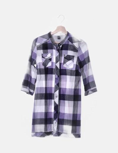 Camisa de cuadros con corchetes
