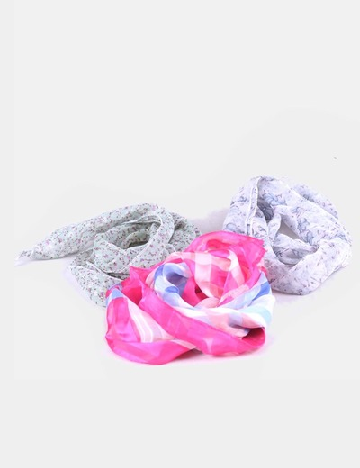 Conjunto de pañuelos estampados