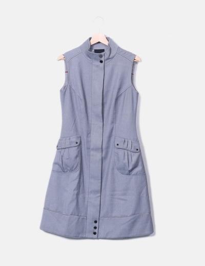 Vestido gris combinado con bolsillos