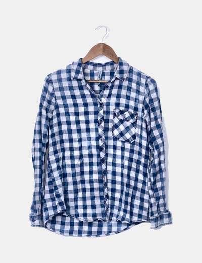 Camisa de cuadros azul y blanca