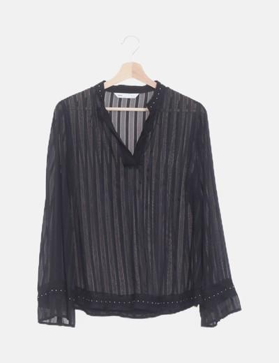 Blusa negra semitransparente de rayas