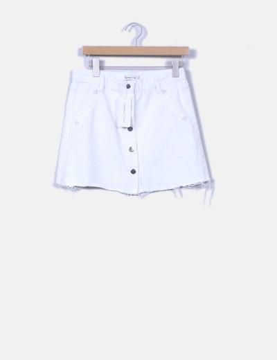 df13cd9210 Runaway Heart Mini falda denim blanca con botones (descuento 29 ...