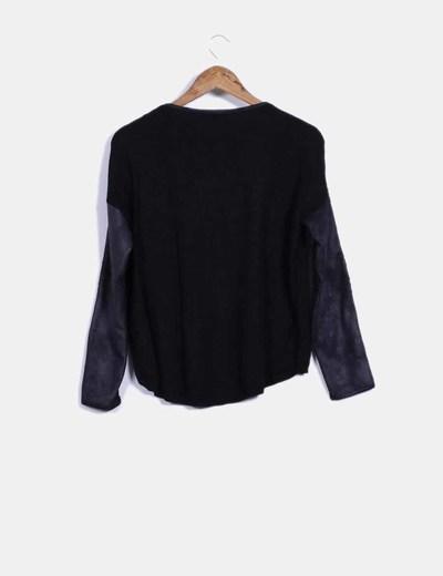 Tricot negro con crochet