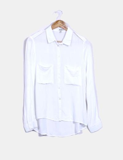 08fbcc5b0 Bershka Blusa blanca con bolsillos (descuento 61%) - Micolet