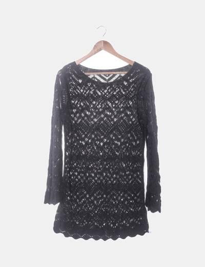 Suéter punto negro calado