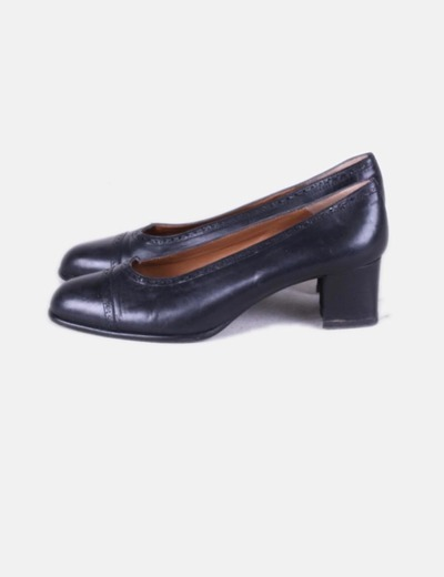 Sapatos de salto preto