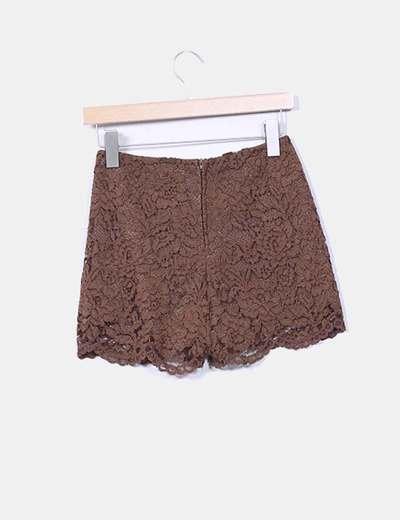 Shorts encaje marron