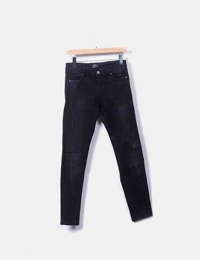 Pantalón negro denim