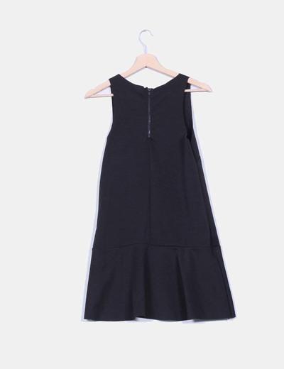 Vestido negro avolantado textura tipo neopreno