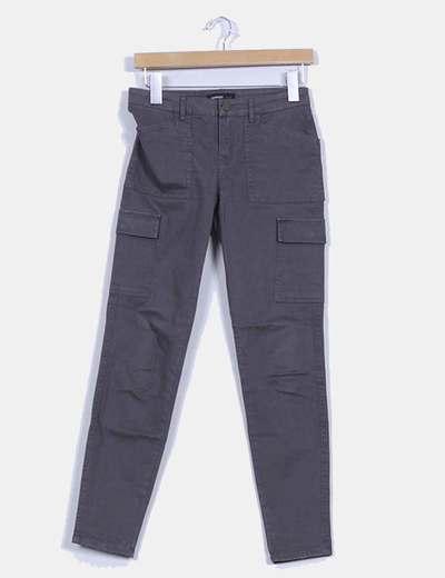 Pantalón gris detalle bolsillos Mango
