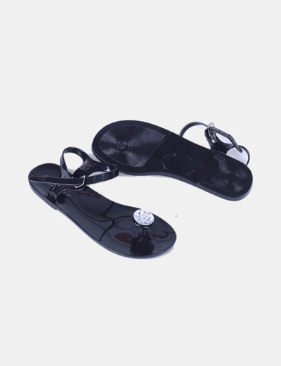 Sandalia negra con strass