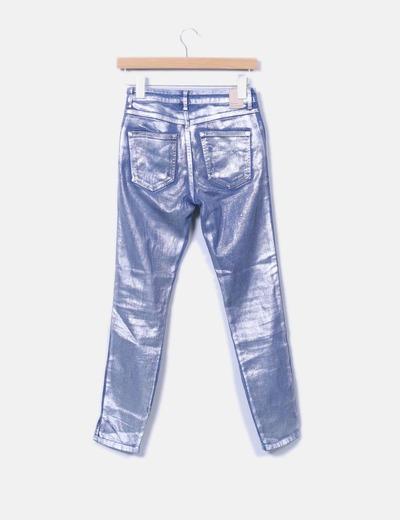 Jeans denim pitillo encerado plata