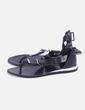 Sandalia plana negra con hebillas Zara