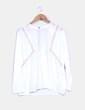 Blusa blanca con strass dorado Silvian Heach