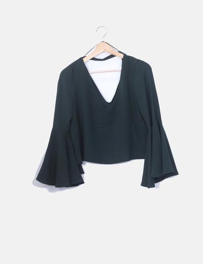 Blusa verde mangas campana