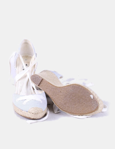Sandalias de rayas con cunas