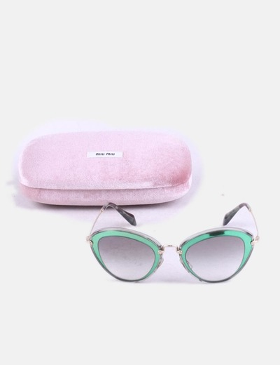 Gafas de sol verdes combinadas