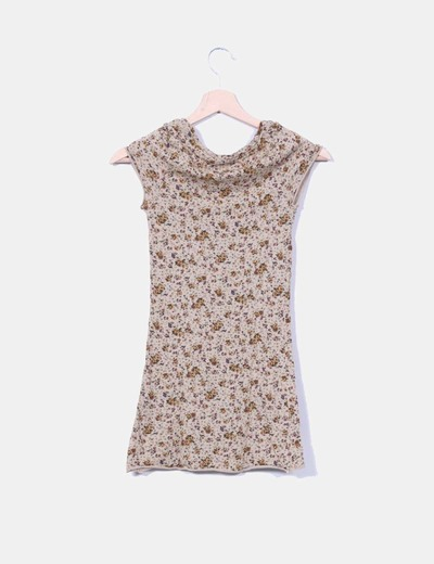 Camiseta marron floreada