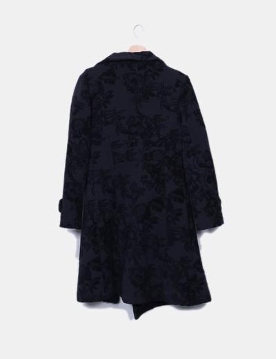 Abrigo largo negro texturizado