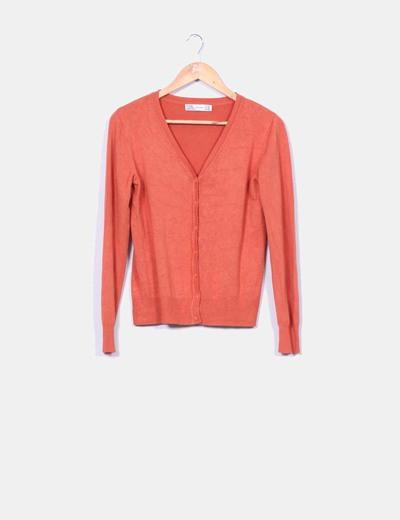 Cárdigan punto fino en color naranja  Zara