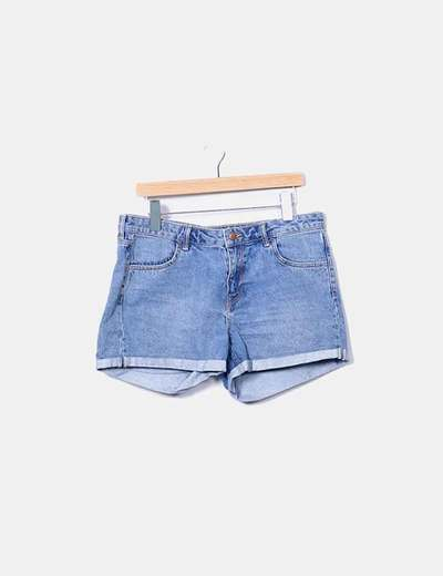 Short denim con dobladillo