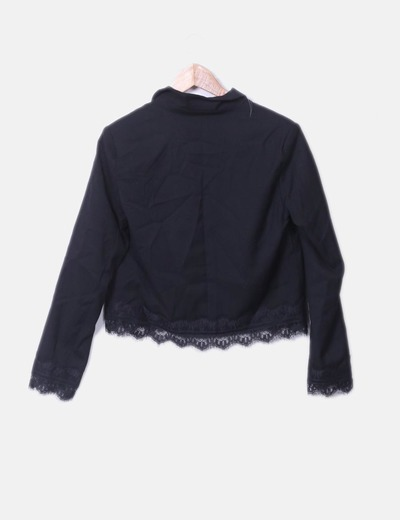 Blazer negra combinada crochet