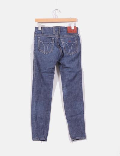 Jeans con cremalleras
