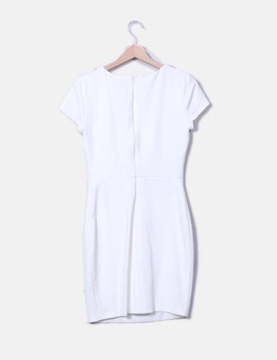 Vestido midi blanco hombros pedreria