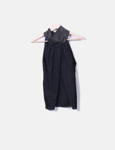 Blusa negra con tachas Benetton