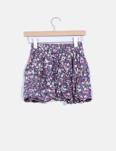 Falda corta con vuelo estampado floral efecto del reves