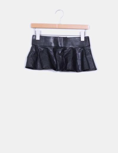 Cinturón peplum polipiel negro Zara